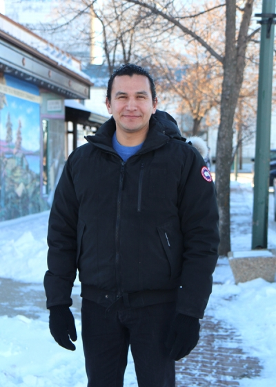 NDP Leader Wab Kinew stops in Boissevain to chat health care